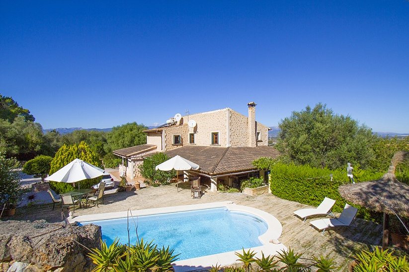 Charming Finca with panoramic mountain views in Santa Eugenia