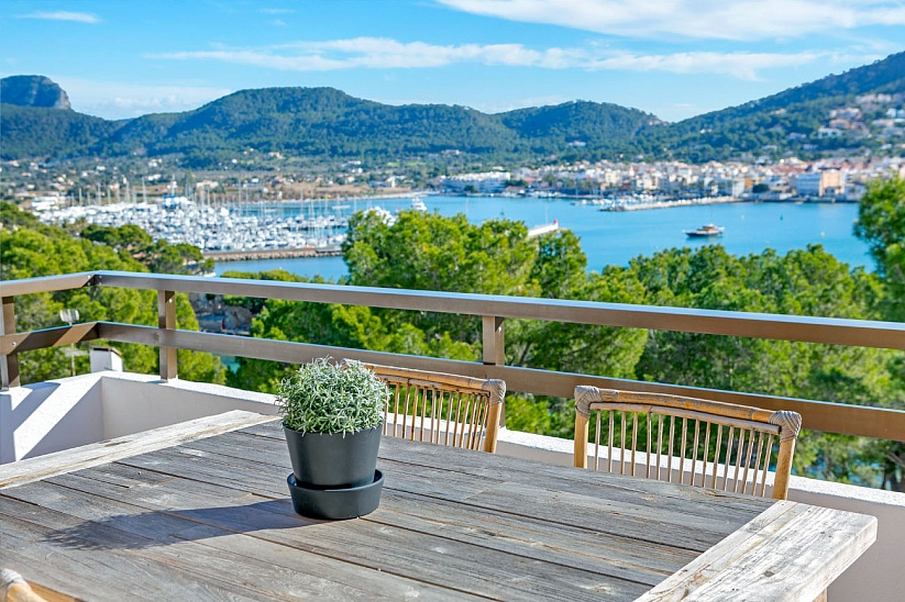 Superb penthouse apartment with fantastic sea views in Port Andratx