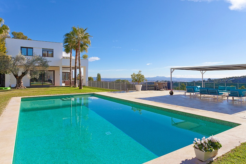 Luxury Villa with panoramic views in son Vida